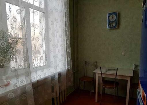 снять однокомнатную на длительный срок Адмирала Нахимова 6