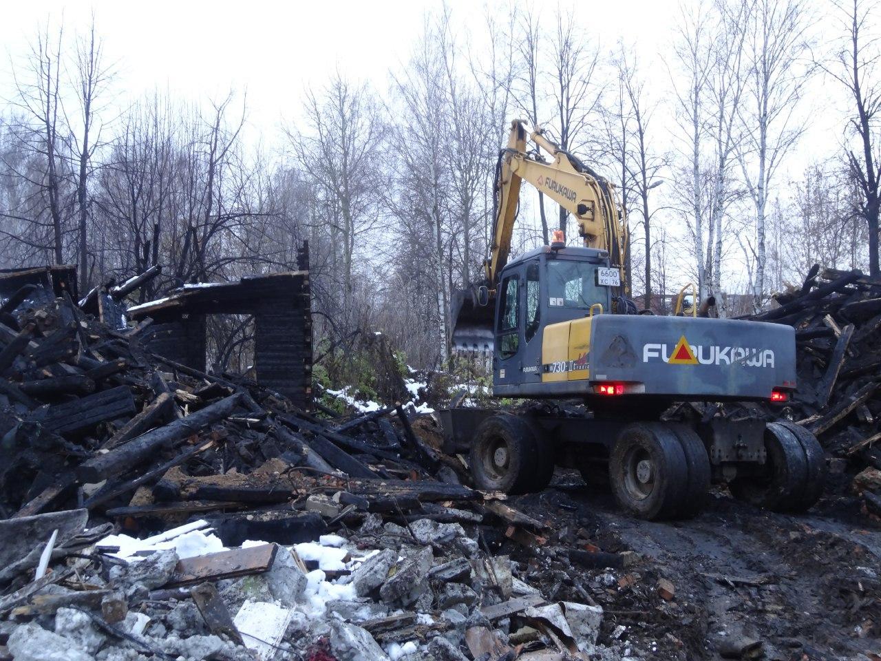 Аварийный дом снесли на улице Летной в Ярославле