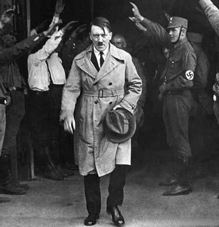 Нацисты полагались на «Протоколы сионских мудрецов» как на пропаганду.