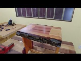 Необычный стул, сделанный из 6 видов древесины