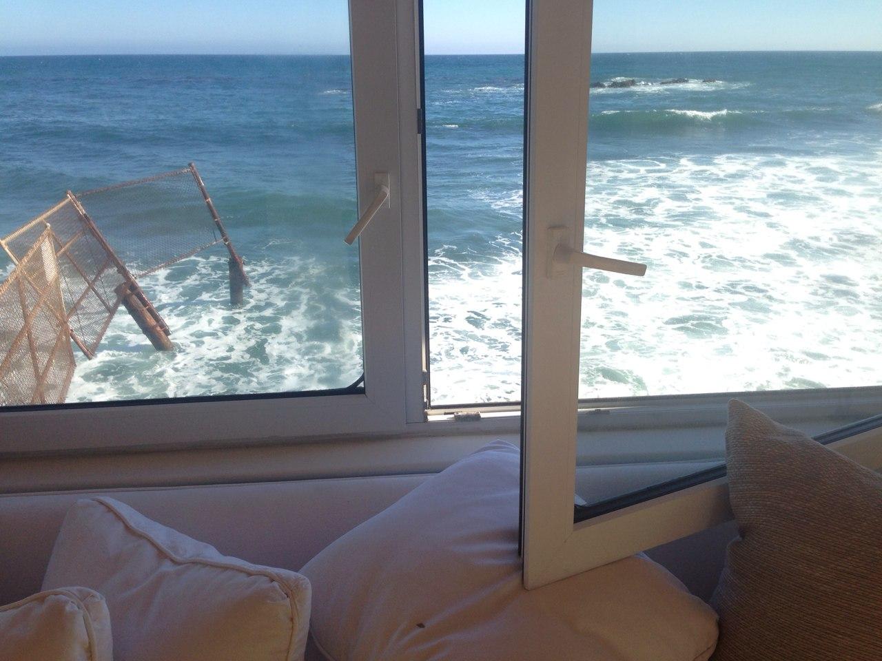 черное море вид с окна