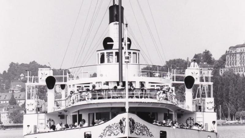 Volldampf für das dampfschiff Stadt Luzern