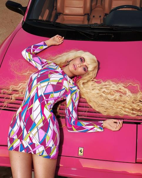 Кайли Дженнер в образе Барби