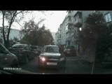Как ездят по дворам г. Сосновоборска водители с купленными правами.