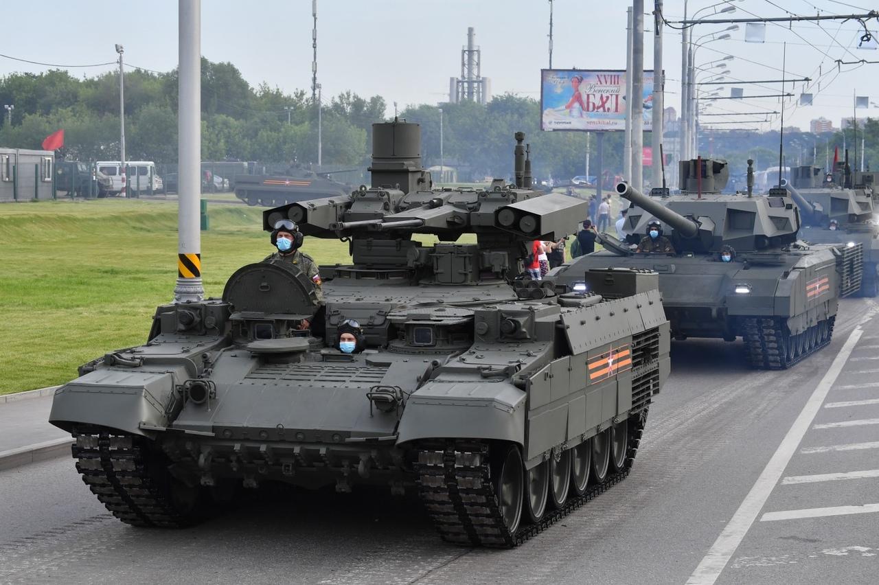 الدفاع الروسية تنشر صورا للعرض العسكري التجريبي الخاص باحتفالات عيد النصر QXrfoXD6gd0