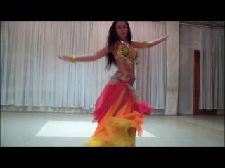 Восточная танцовщица Дарья Яблоновская