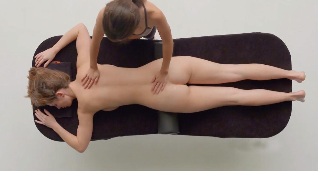 Чувствительный массаж девушке с оргазмом.