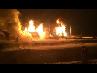 Зарево пожара на железной дороге в Кирове видно на десятки километров 05.02.2014