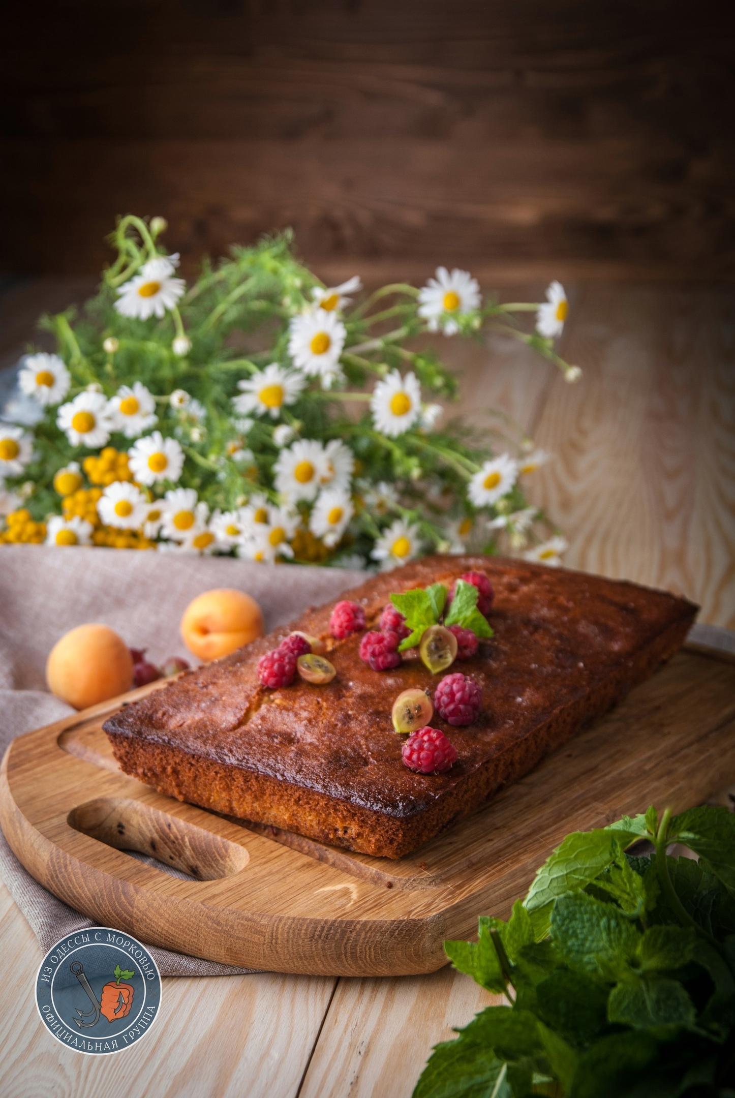 Черешневый пирог с вином и кардамоном