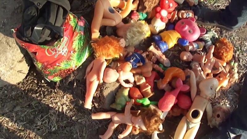 Целый мешок советских игрушек подогнал мне Хуан