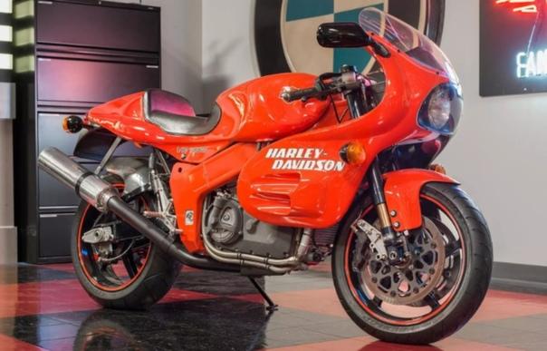 Отступники Непривычные Harley-Davidson как американцы заказывали моторы у Porsche и пробовали строить супербайкиМарка Harley-Davidson прославилась ультра-консервативными чопперами и вальяжными