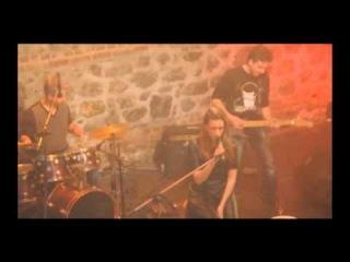 serenay sarıkaya feat. i'llegal - İsyan (kamera arkası)