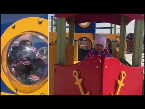 Ребенок на прогулке. Детская площадка. Лес. Подснежники.The child on the walk. Playground.Snowdrops.