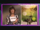 Джемма Артертон играет в «Я никогда не» | MTV Movies (русские субтитры)