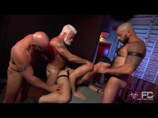 [rfc] r453 alessio vega vs three muscle daddies