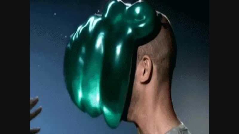Slow-motion water baloon to the face