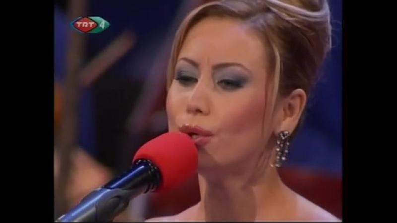 Tuğçe Pala _ Gönlümün şarkısını gözlerinde okurum