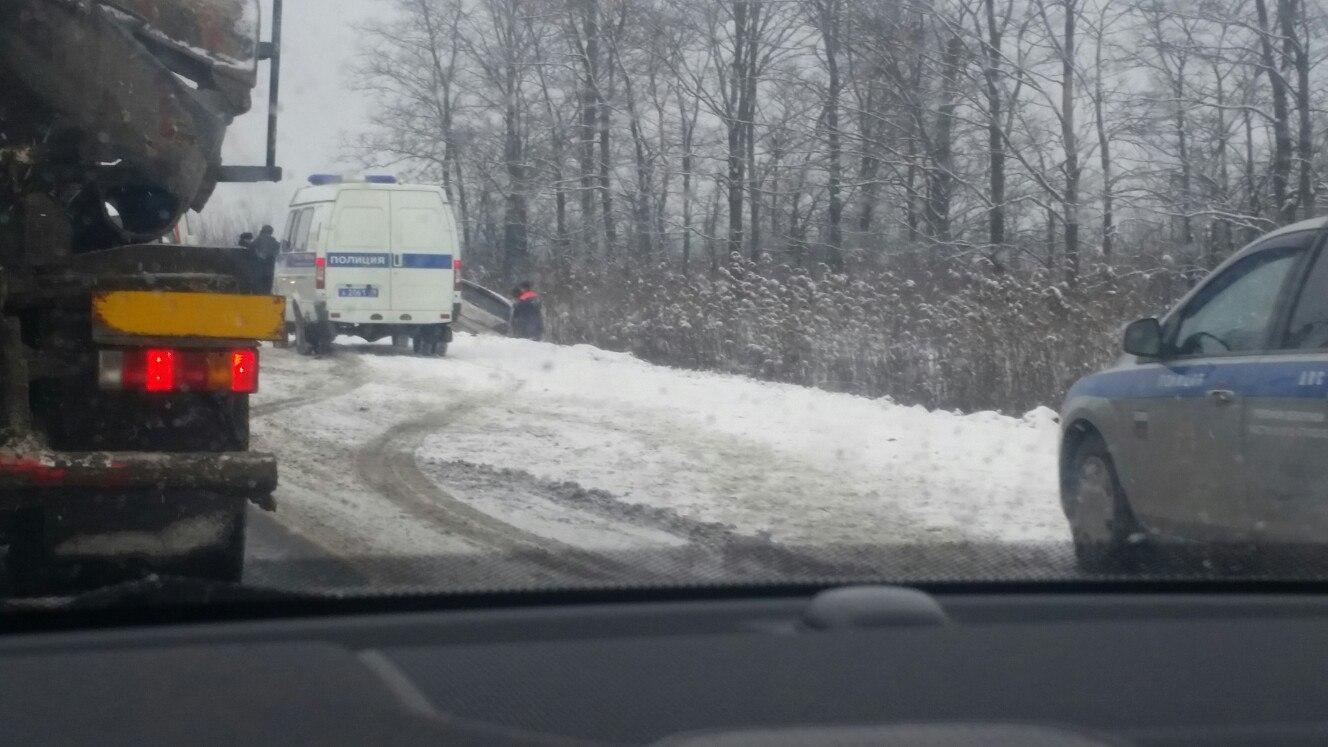 ВПетербурге вДТП с фургоном умер один человек
