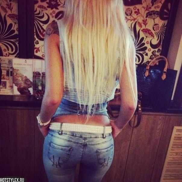 Девушки блондинки со спины с домашних условиях 259