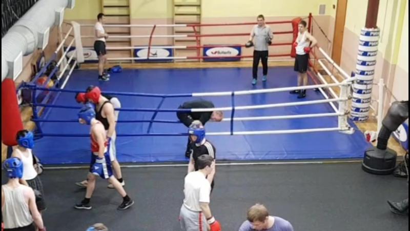 Боевая практика в клубе Ринг у ЗТР Исаева