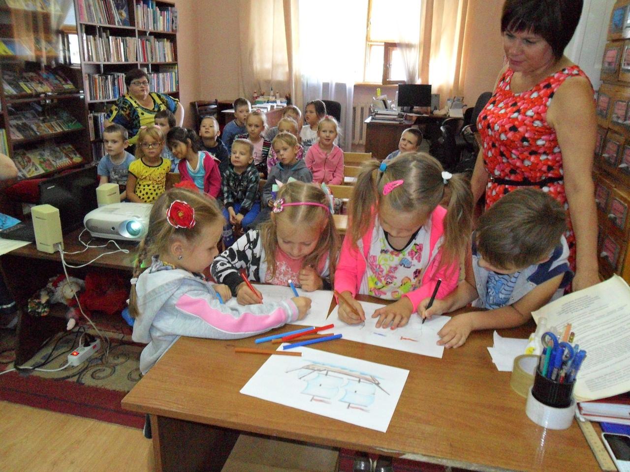 отдел искусств, занятия с детьми, донецкая республиканская библиотека для детей, раннее развитие детей