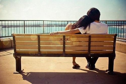 Женщина может быть непостоянна, но в мужчине она ищет постоянства, она должна быть каждую минуту уверена в...