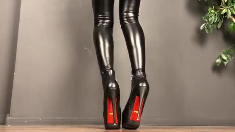 High_heeled_women №594