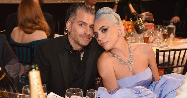 СМИ: Леди Гага разорвала помолвку и рассталась с женихом