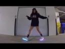 V-s.mobiТанцует Шафл Shuffle светящиеся кроссовки vkposhumime.mp4