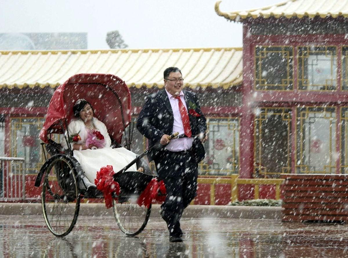 Я готов стать твоей персональной лошадкой: Всепогодный китайский рикша
