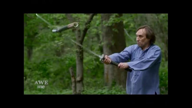 两个美国人复制了一把中国古代的苗刀