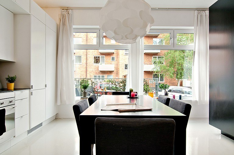 Просторная студия в Стокгольме / Швеция с отдельным входом и частным двориком.