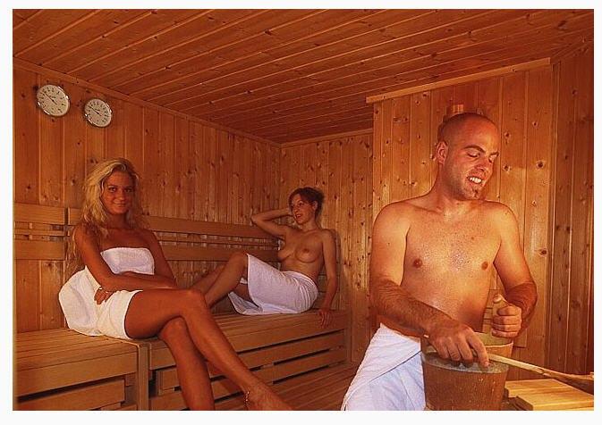 в общей бане женщины и мужчины фото