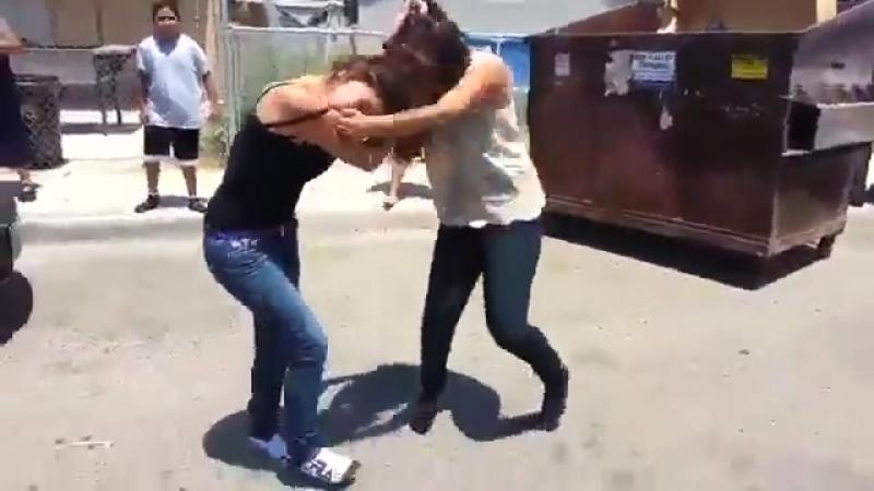 GIRL FIGHT GIRLS FIGHTING PELEA DE MUJERES BRIGA MENINAS MULHERES KIZ KAVGASI (1) - YouTube