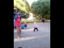 Оля учит детей танцем