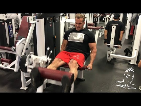 Jay trains legs in Las Vegas before his trip to Australia
