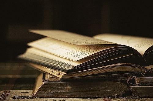 Чтение хороших книг — это разговор с самыми лучшими людьми прошедших времен, и притом такой разговор, когда они сообщают нам только лучшие свои мысли.