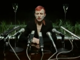 Брутальное видео от шведа Jay-Jay Johanson - On The Radio (2002)