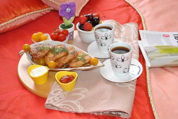 Вафли с курицей к завтраку