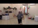 Мариша и доча Лена исполняют китайский танец.