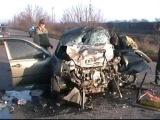 В масштабной аварии на Донбассе людей вырезали из автомобилей