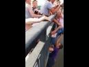 Очевидцы спасли пермячку от прыжка с моста