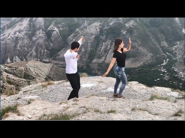 Потому Что Я Влюблен Лезгинка С Красавицей Из Дагестана Дубки 2018 ALISHKA AZARINA Чеченская Песня