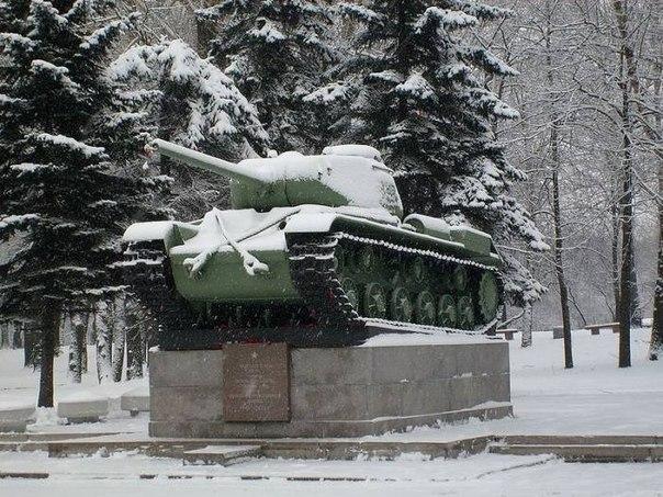 Заказ памятника на кладбище Охотск Эконом памятник Плечики Алапаевск