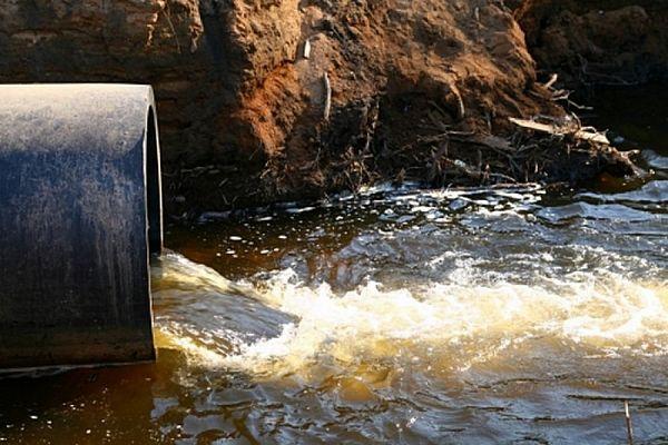 В Зеленчукской загрязняется река Хуса