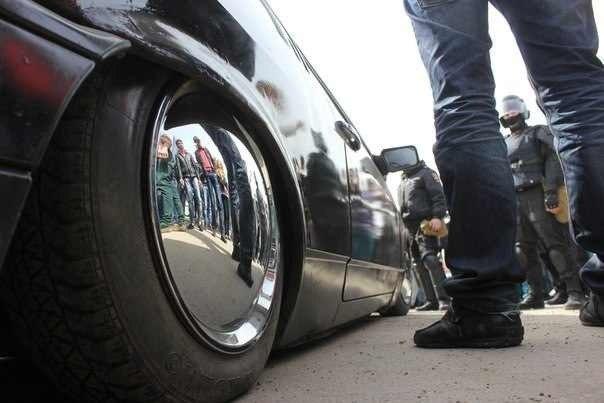 В Ростове ОМОН и ДПС разогнали сходку любителей низко посаженных машин! ФОТО