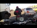 Как мотоциклисты приветствуют друг друга