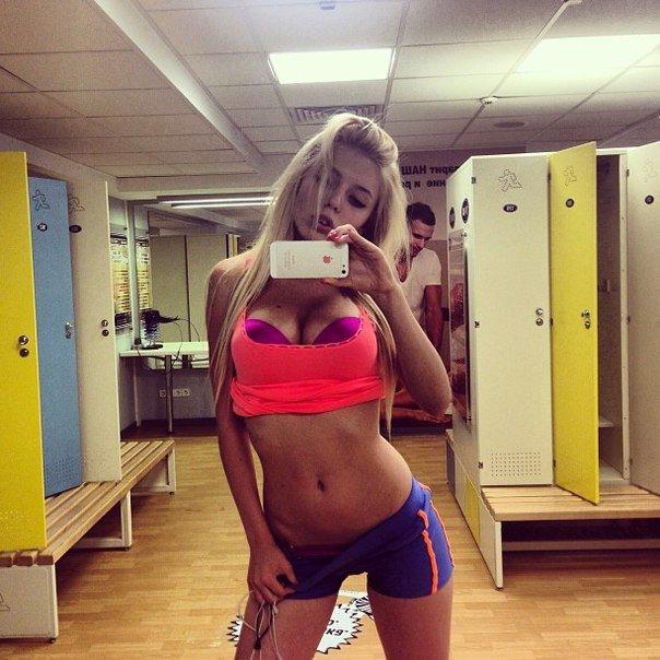Horny girl alexa sexy blonde babe masturbating