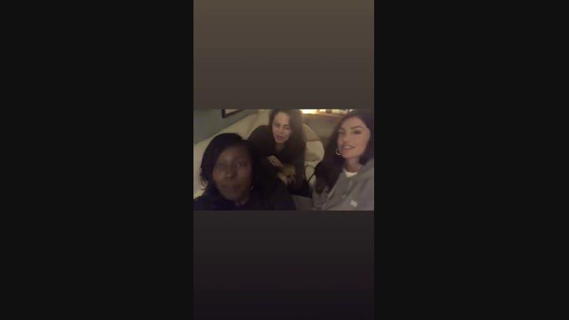 07 декабря 2018 ›› Конор Лесли, Минка Келли и Анна Диоп в «Instagram Stories» сериала «Титаны»
