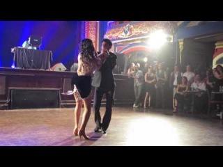 Ricardo & Kassandra (Movimiento) (Bachatango) at the Salsa Bachata Chic night on March 8th 2014